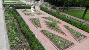 2013 HG Formal garden from the kitchen garden