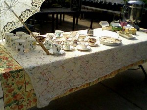 2017 04 08 Victorian table 3